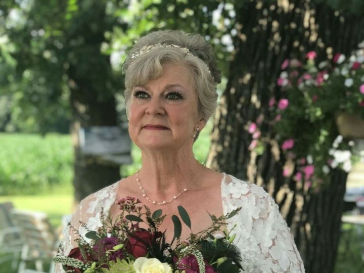 Tmx Img 0180 51 928510 1573667973 Palmyra, Wisconsin wedding florist