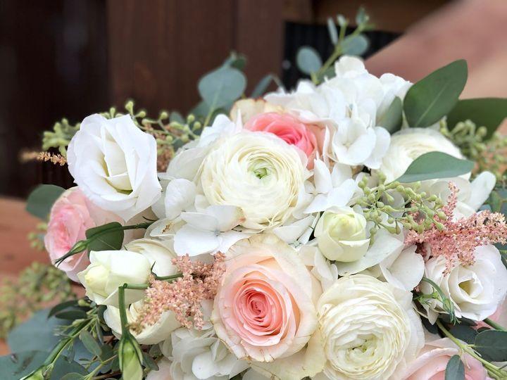 Tmx Img 1670 51 928510 160151438662189 Palmyra, WI wedding florist