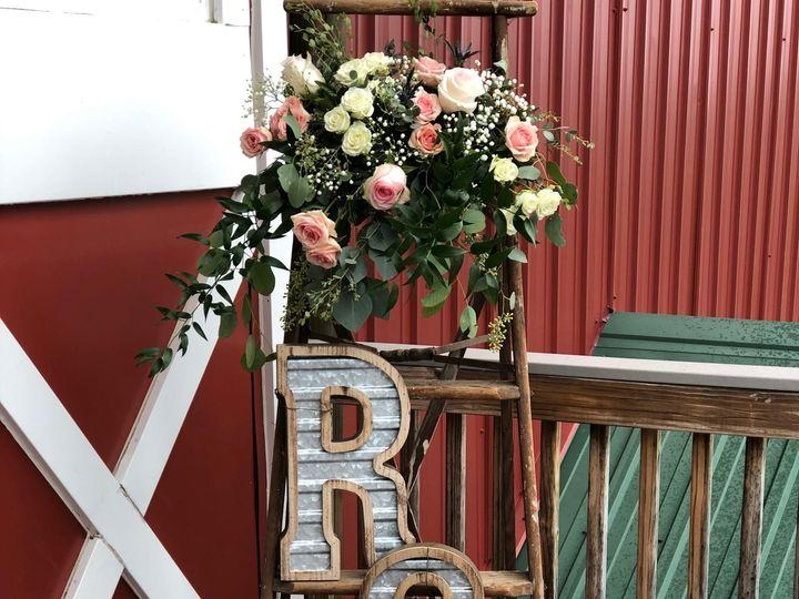 Tmx Img 1675 51 928510 160151439623284 Palmyra, WI wedding florist