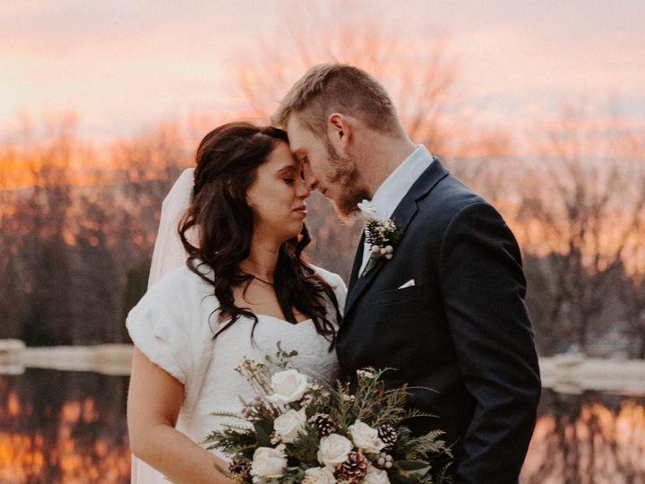 Tmx Img 1917 51 928510 160927445493252 Palmyra, WI wedding florist