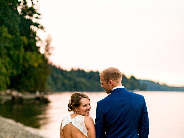 Tmx 1516490204 C1587429b723ac32 1516490202 5d8428f168040b66 1516490194842 16 Edgehouse Sunset  Seattle, Washington wedding photography