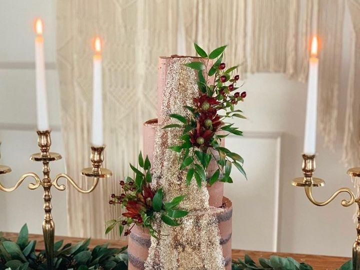 Tmx Gold Glitter Cake 3 51 163610 157834374261255 Kansas City, Missouri wedding cake