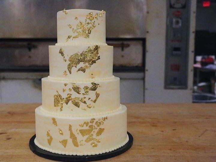 Tmx Gold Leaf 51 163610 1566425256 Kansas City, Missouri wedding cake