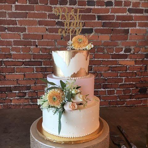 Naked Wedding Cake 3 Tier