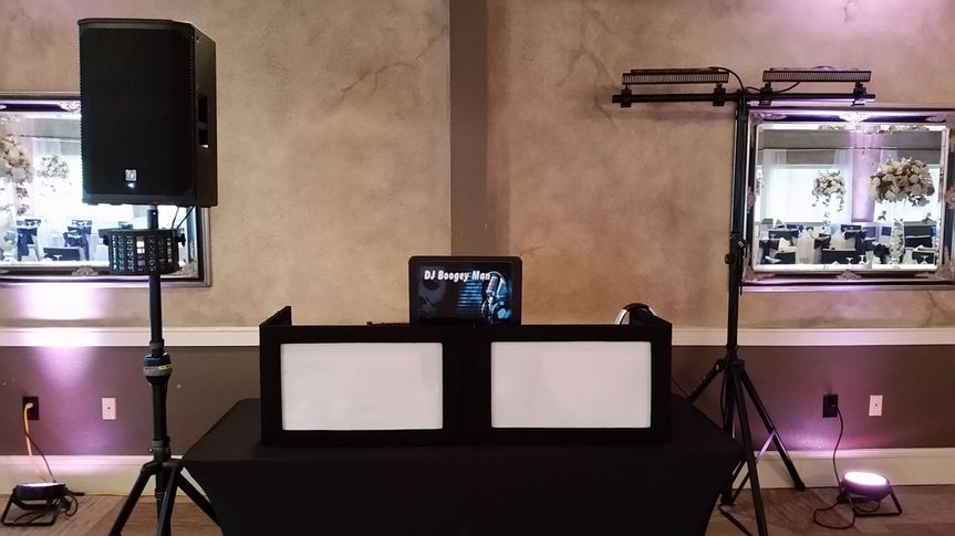 Basic 1 speaker/small light
