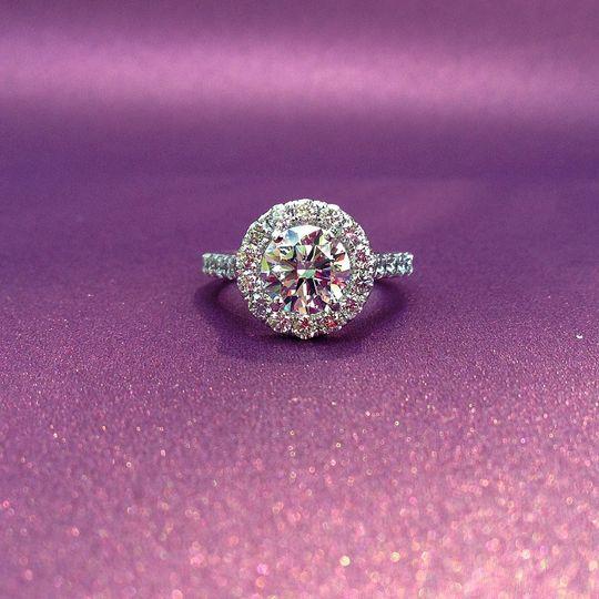 engagment ring dallas round halo