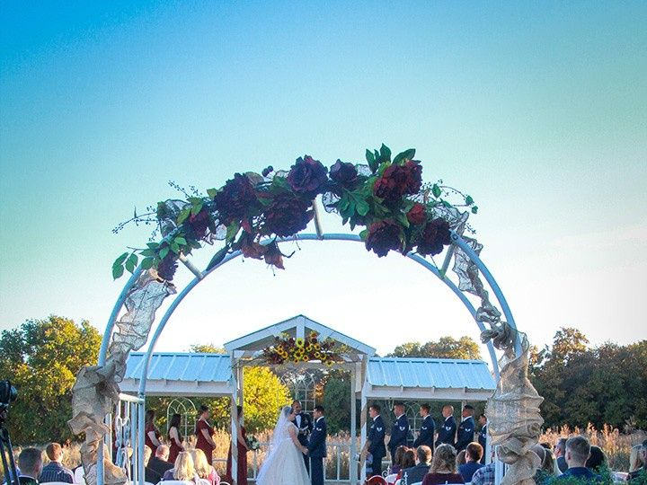 Tmx Arch Fall Decor 51 118610 157929041392469 Clyde, TX wedding venue