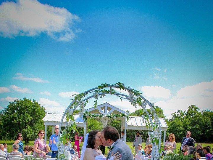 Tmx One More Kiss 51 118610 157929041795491 Clyde, TX wedding venue