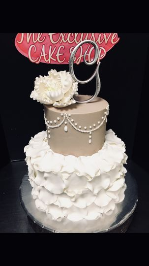 The Exclusive Cake Shop Wedding Cake San Antonio TX WeddingWire
