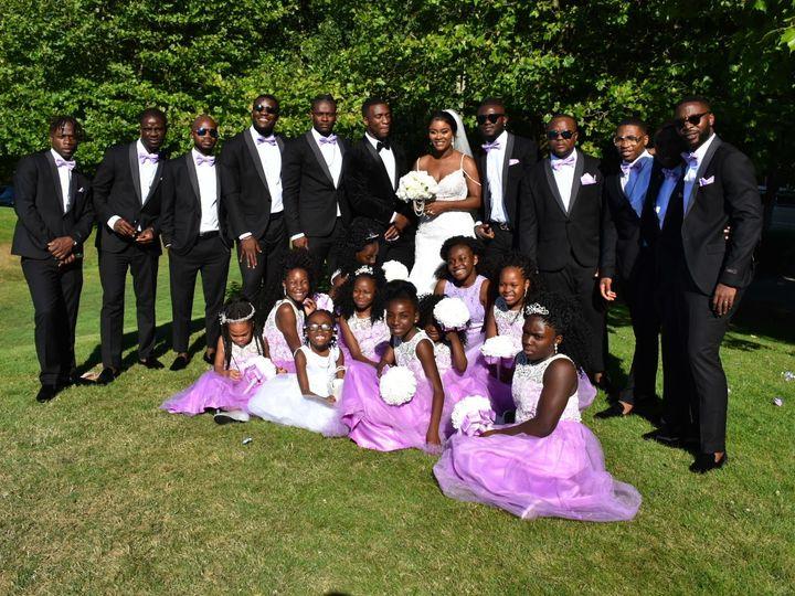 Tmx 1534895799 66eaae32859a6ab7 7F4CB547 BC73 45E0 9BBC 8D6A05078B49 Federal Way wedding transportation