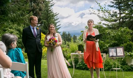 Heidi Yorkshire, Wedding Officiant, Portland, OR