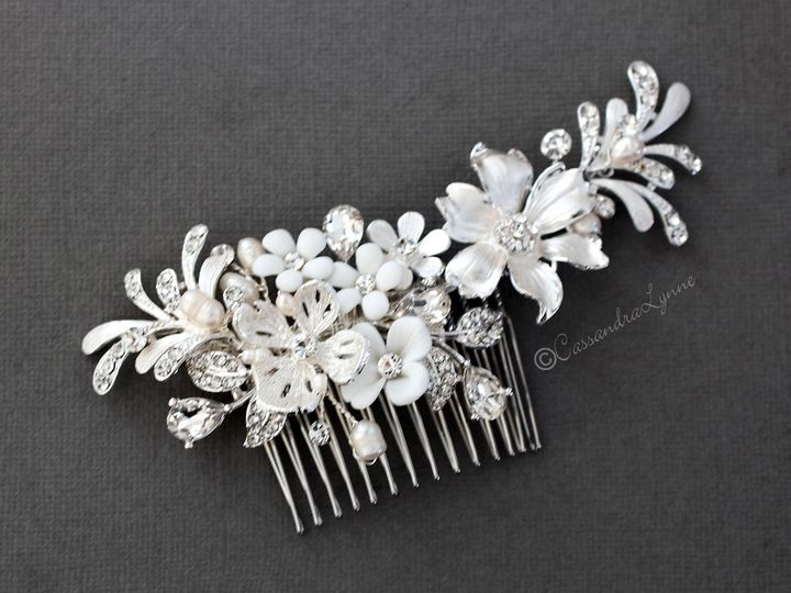 Tmx White Flowers Wedding Hair Comb Bridal Headpiece 51 356710 158731319177592 Kansas City wedding dress