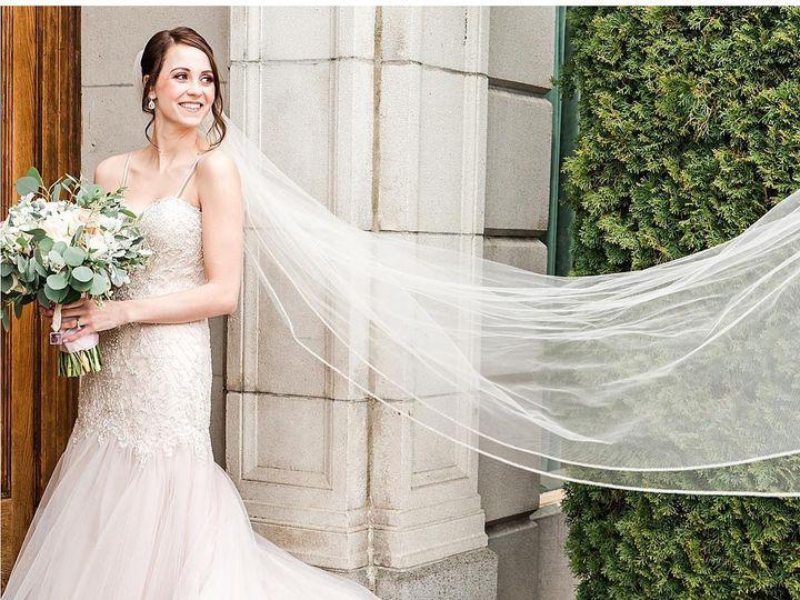 Tmx 52646494 10210405327927762 5987083015036076032 O 51 1010810 Seattle, WA wedding beauty