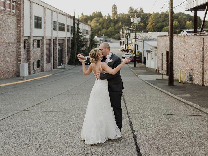 Tmx Img 5685 51 1010810 157764950016233 Seattle, WA wedding beauty