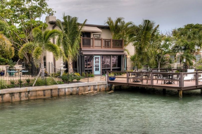 Exterior view of Pasa Tiempo Private Waterfront Resort