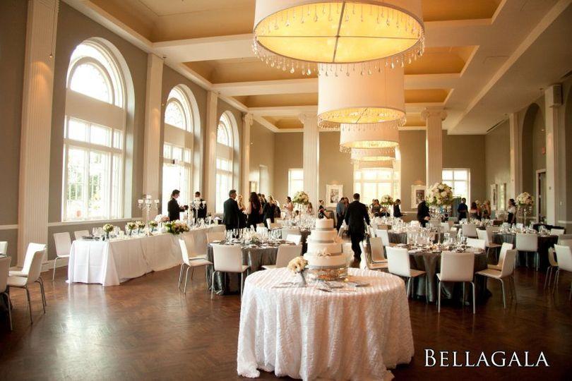 Calhoun beach club venue minneapolis mn weddingwire 800x800 1359065551411 calhoun1 800x800 1359065553320 calhoun2 junglespirit Choice Image