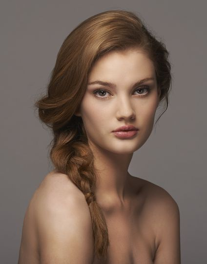 Natural makeup with side braid