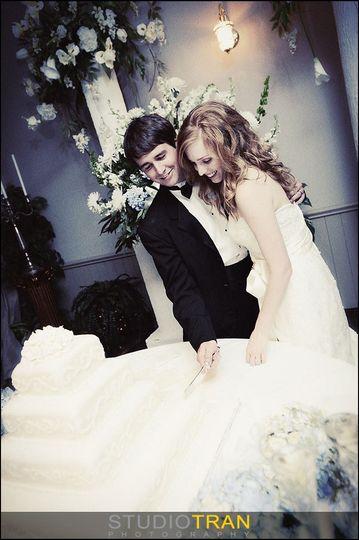 wedding cake couple