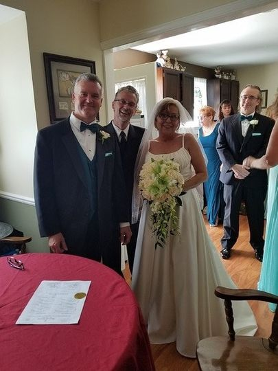 A wonderful home wedding for Laura and John!