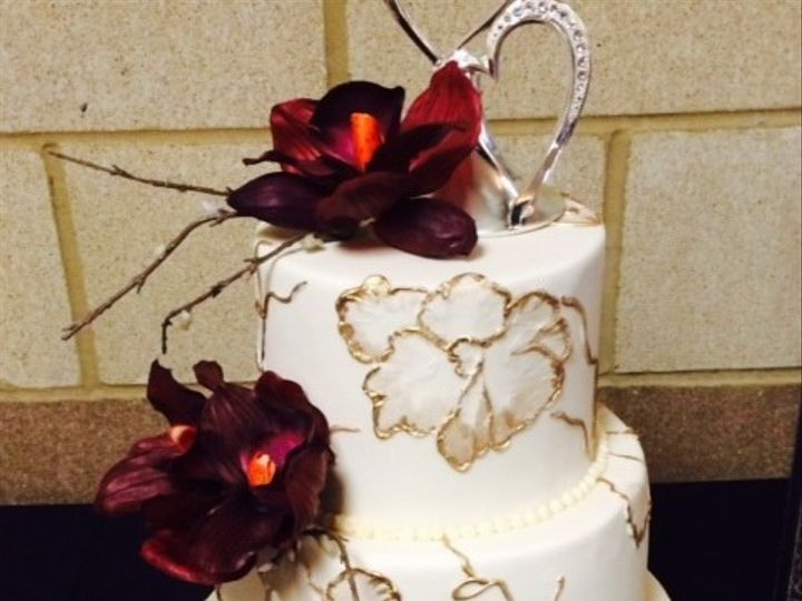 Tmx 1425495906404 Gold Flower Kimmswick wedding cake