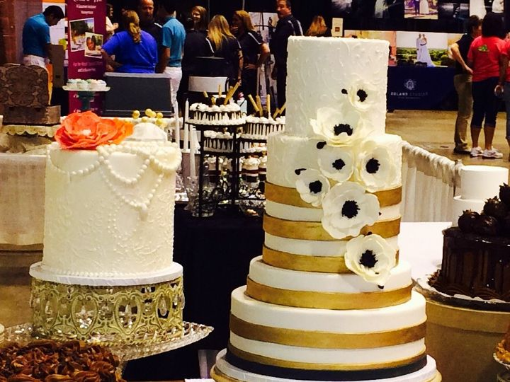 Tmx 1425497133926 Gold And Black Kimmswick wedding cake