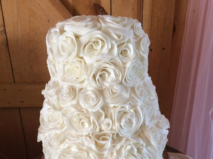 Tmx 1425497269017 Fondant Rosette Kimmswick wedding cake