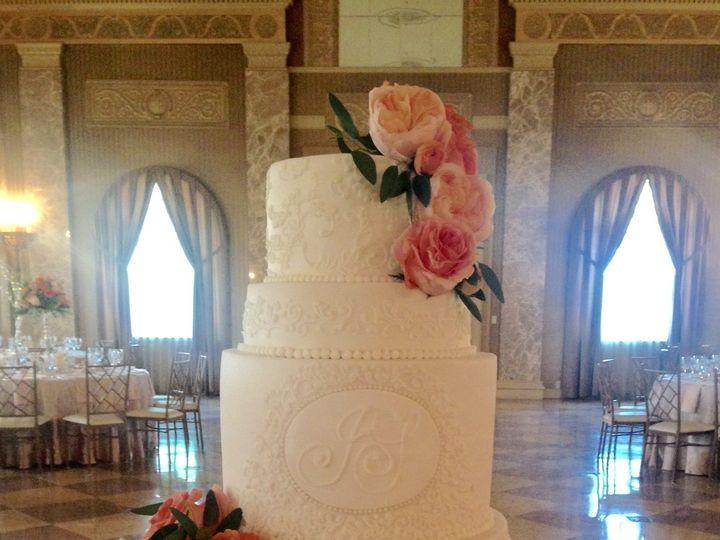 Tmx 1464792771540 File May 11 12 26 35 Pm Kimmswick wedding cake