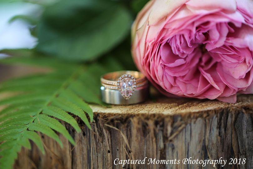 Unique custom wedding ring and details
