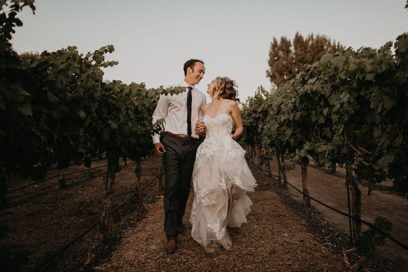 summer vineyard wedding 0192 51 1002020 1573285141