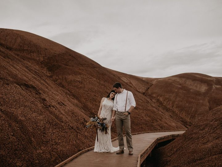 Tmx Painted Hills Elopement 0003 51 1002020 158042384939994 Seattle, WA wedding photography