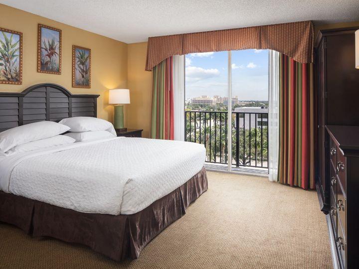 Tmx New King Bed Suite Premium 5 18 18 51 165020 1558641142 Fort Lauderdale, FL wedding venue