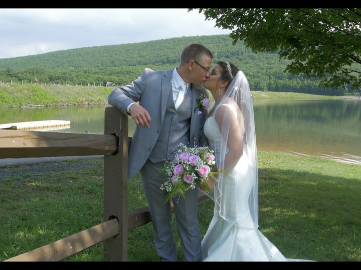 Tmx Gianna Patrick Lake 51 996020 161870873872425 Paxinos, PA wedding videography