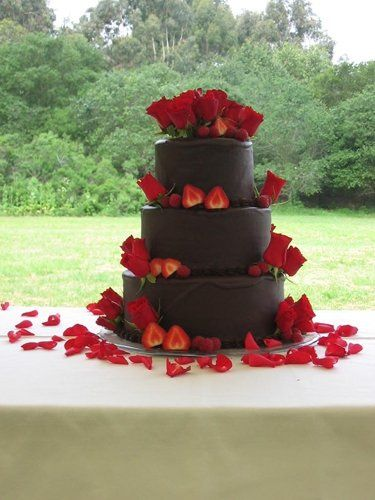 True confections wedding cakes