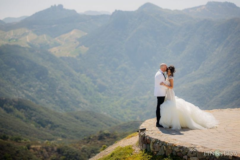 Newlyweds at the mountaintop