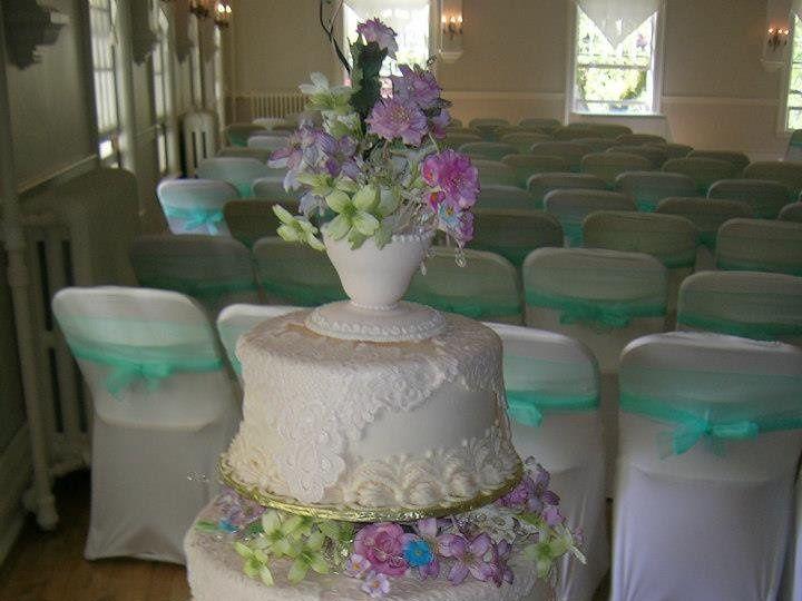 Tmx 1357962007378 550247111790335646915484756457n Maple Valley wedding cake
