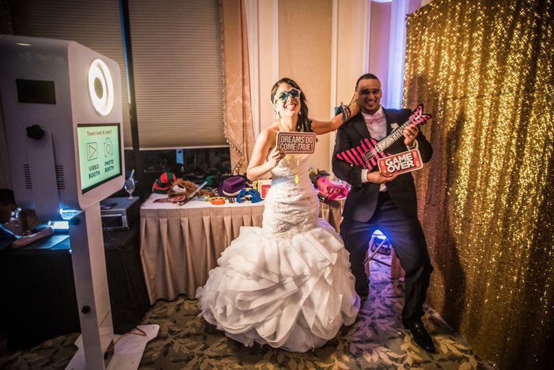 Chi Photography + Video + Photo Booth