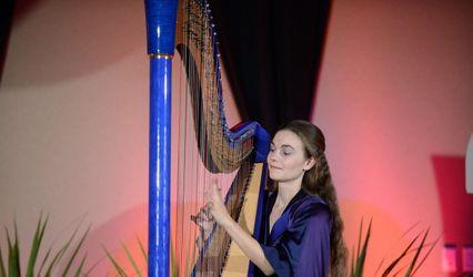 Dr. Vanessa Sheldon, harpist