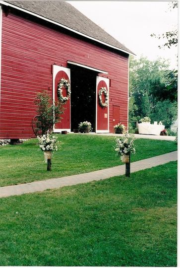 776fa249b90926bb Barn ad photo