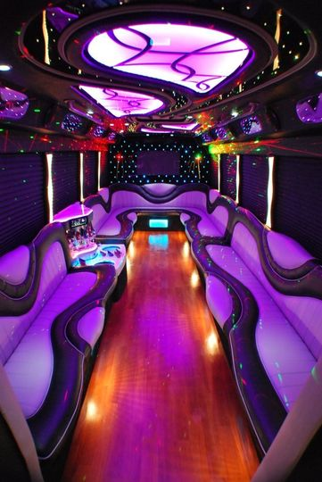 limobus back design 685x1024
