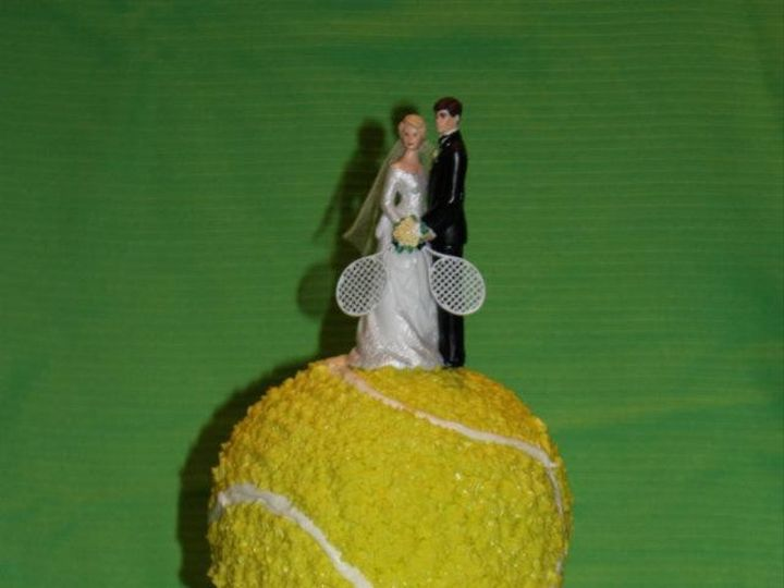 Tmx 1414767378808 1658934412473692286481084569960n Spirit Lake wedding cake