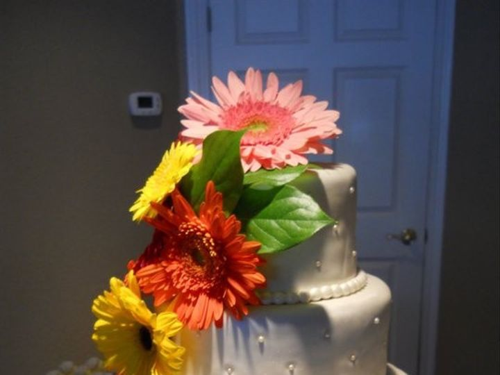 Tmx 1414767395019 2813872456721587861715329553n Spirit Lake wedding cake