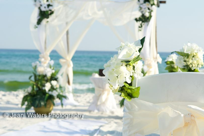 "Our ""Sea"" package with custom pots by the bride. Ft. Walton Beach, FL"