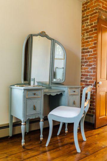 Dresser and mirror of bride