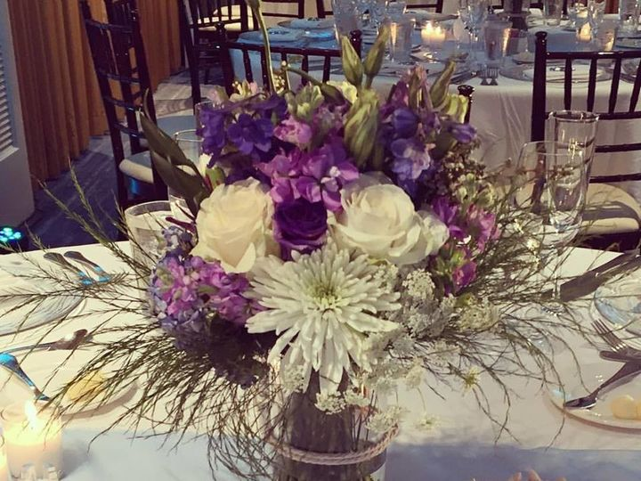 Tmx 1512512534165 176301631306710176073566403832012342541704n Huntington Beach, CA wedding florist