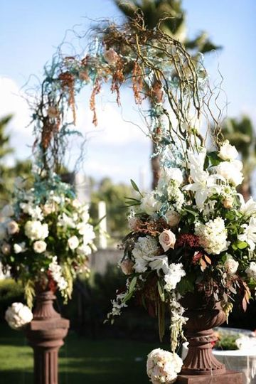 Curly Willow Arch and Arch Arrangements