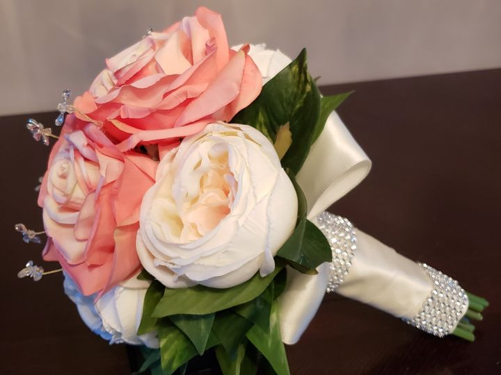 Tmx 20180503 101821 51 1007320 Dighton, MA wedding florist