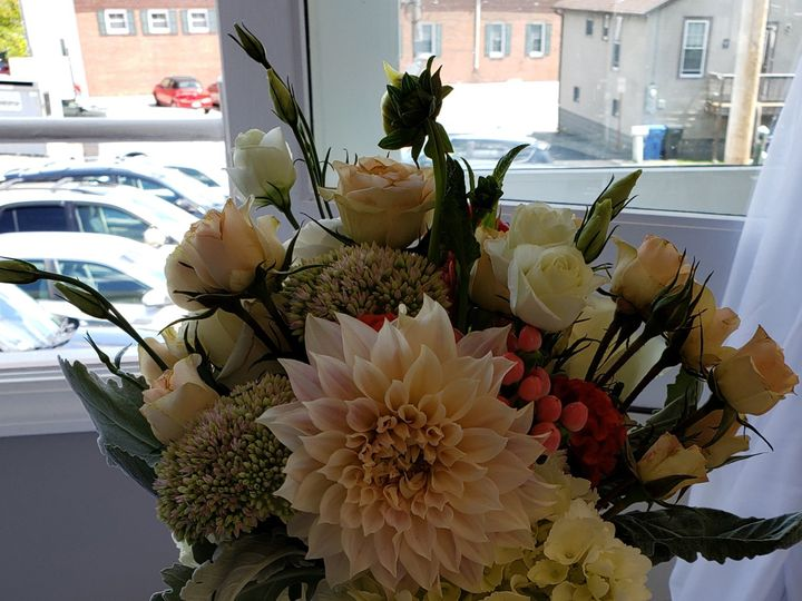 Tmx Centerpiece13 51 1007320 1567466090 Dighton, MA wedding florist