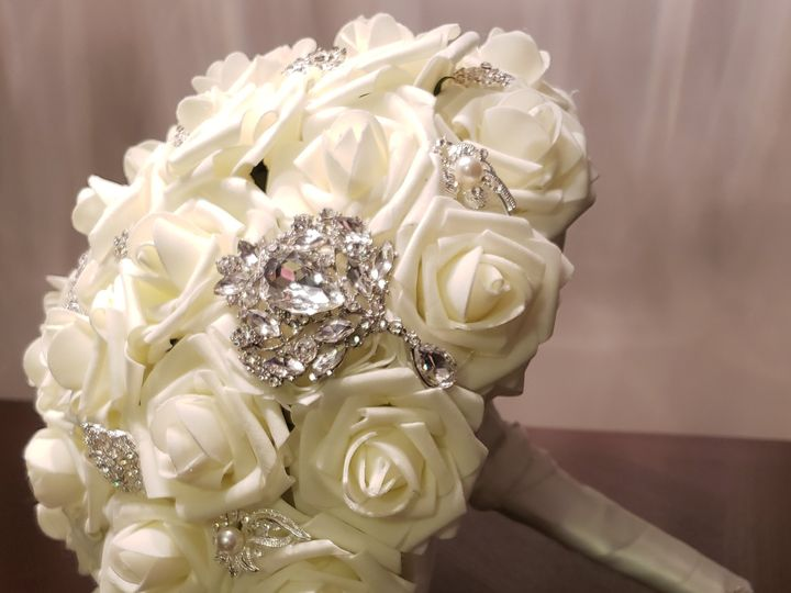 Tmx Cream Crystal Brooch Rose Bouquet 1 51 1007320 Dighton, MA wedding florist
