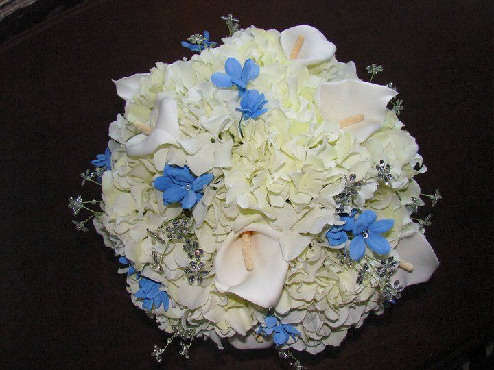 Tmx White Hydrangea With Crystals 51 1007320 Dighton, MA wedding florist