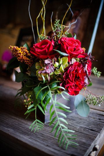 Red flower table centerpiece